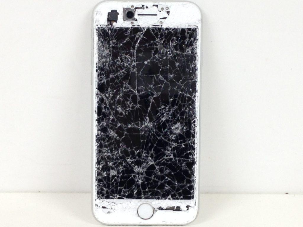 ジャンク Apple iPhone8  割れ 通電不可買い取りしました!